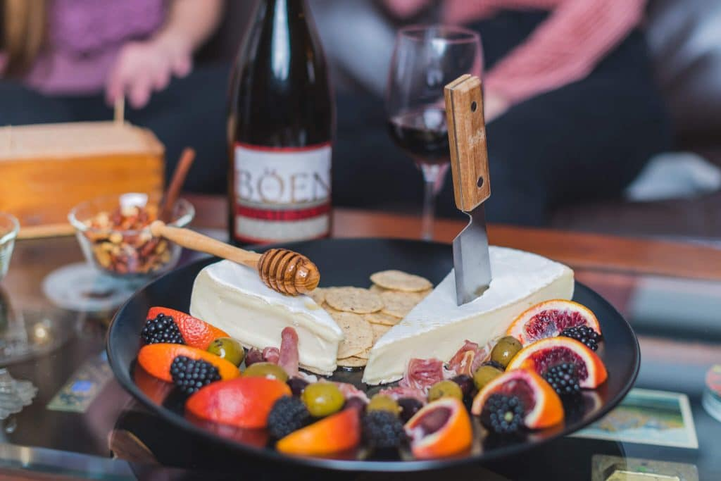 Californian Aperitivo with Böen Pinot Noir 12 The California Aperitivo takes all of the goodness of the traditional Northern Italian Aperitivo and adds localized farm to table fare. Perfect for small g